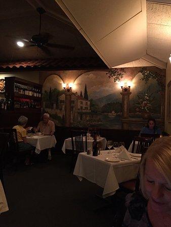 Ariani Restaurant & Lounge: photo0.jpg