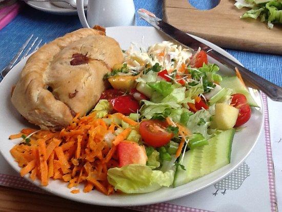 Hilltop Farm Shop: Cornish Pasty with three salads