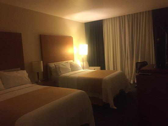 Holiday Inn Express Puebla: Cumple con lo básico por el precio esperaba un poquito más Principalmente en el desayuno Muy muy