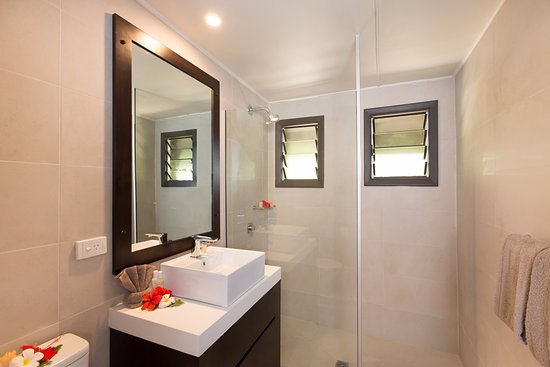 Navini Island, Fiji: Two Room bathroom on Navini