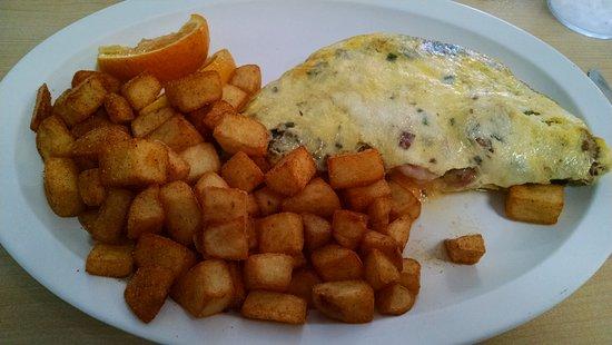 Morehead City, Carolina del Norte: Banks Omelet--sooooo tasty!!