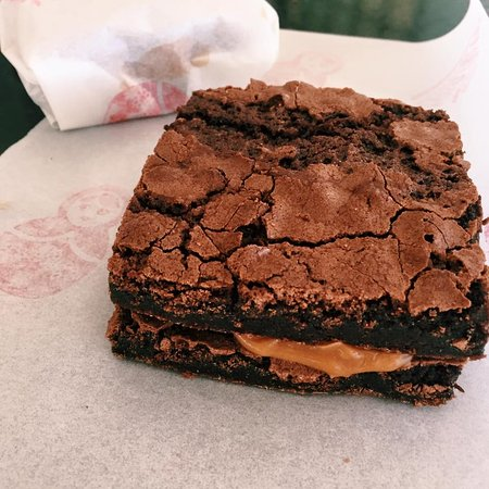 Arapongas: Brownie recheado com doce de leite