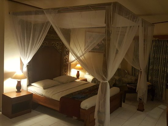 Sari Segara Resort Villas & Spa: Bed