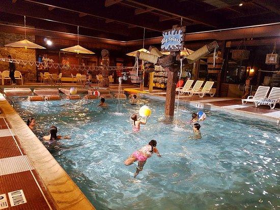 Rocking Horse Ranch Resort: lower pool area