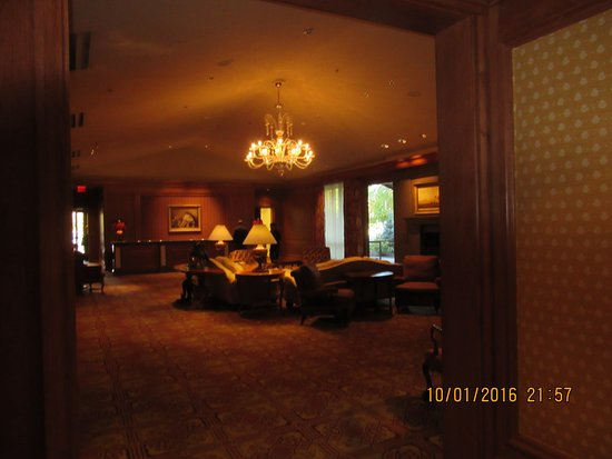 Little America Hotel and Resort: The lobby area