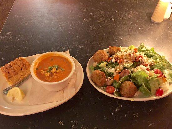 Flying Star Cafe: Tomato bisque soup and falafel salad