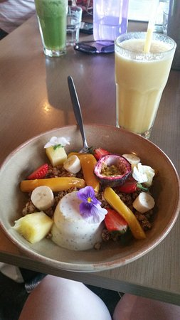 Port Noarlunga, Australië: My panna cotta, it tasted as good as it looked. I also had the tropical frappe which was delicio