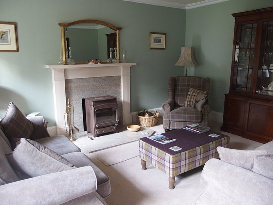 Invergordon, UK: Warm and beautiful living room