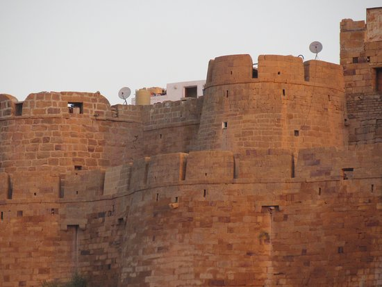 Hotel Pleasant Haveli: Jaisalmer Fort from roof top