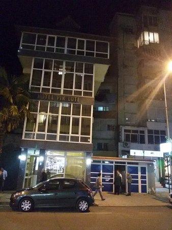 Hotel Pik Loti: Hotel di notte