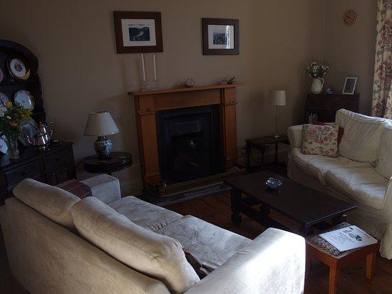 Assynt, UK: Gemeinschaftsaufenthaltsraum, -wohnzimmer.