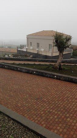 Santa Venerina, Italië: Kepos affascinante anche con la nebbia!!!