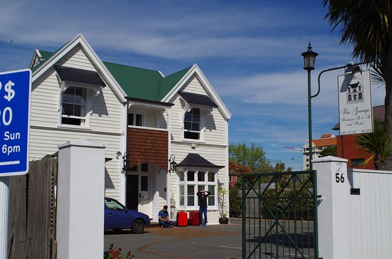 The Grange Guesthouse & Motel Photo