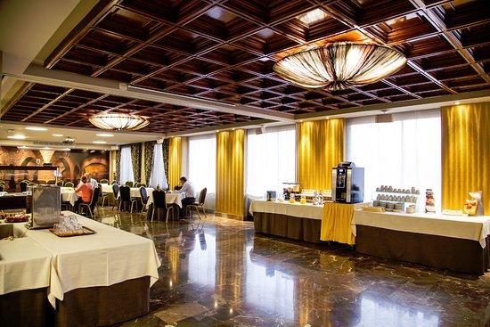 Detalle Buffet de Desayunos en el Salón Baños Árabes del Hotel Condestable Iranzo