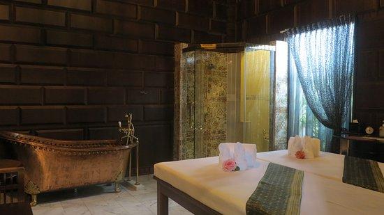 Racha Thewa, Tailandia: Authai Spa
