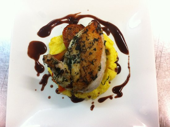 Magdala Motor Lodge: Chicken dish form our fully licensed restaurant