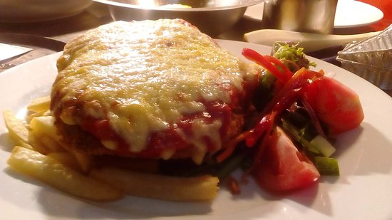 Magdala Motor Lodge: Chicken Parma form our fully  licensed restaurant