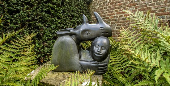 Gardens & Grounds of Herstmonceux Castle : A wonderful walk around the grounds