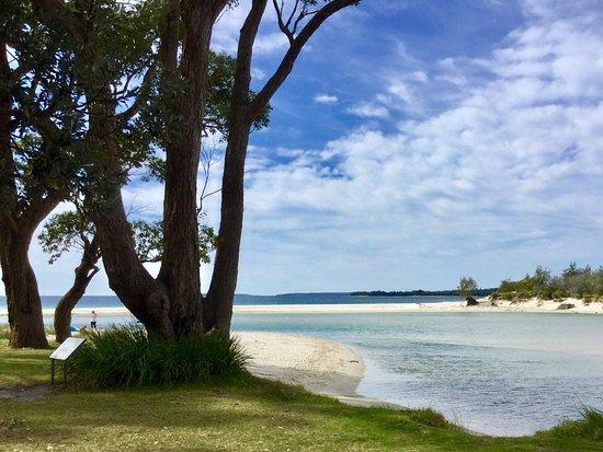 Huskisson, Australien: Towards the beach