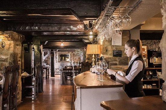 Stonedge, UK: Red Lion Bar