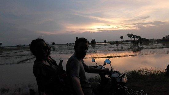 Kampong Thom, Cambodja: received_10209873846936999_large.jpg