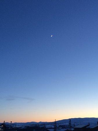 Are, Svezia: Beautiful sunset outside the hotel