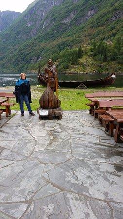 Gudvangen, Norvège : במסעדה בחוץ