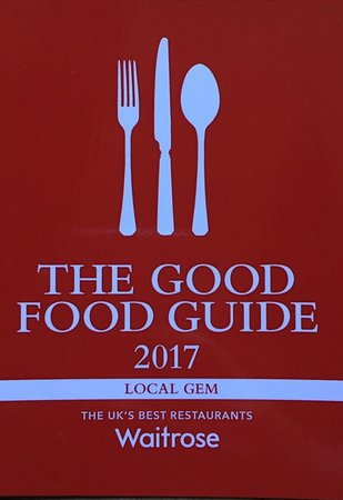 Kirtlington, UK: The Oxford Arms is in the most prestigious food guide!