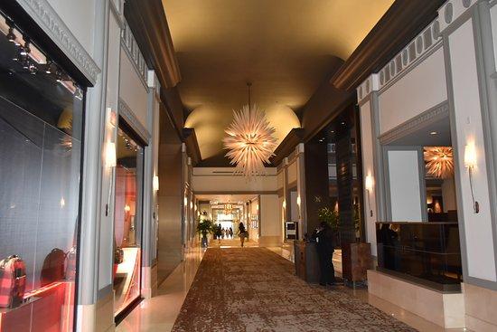 Fairmont Hotel Vancouver: Inside view