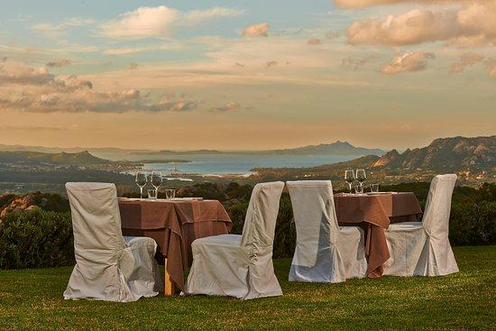 San Pantaleo, Italia: Il Fuoco Sacro - A Gastronomic Experience with a View