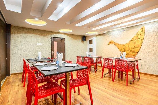 Interior - Picture of Hotel Navaratna By Omatra, Coimbatore - Tripadvisor