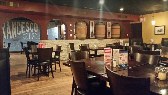 Bridgewater, VA: The Wine Casks in the wall. We sat to the left of them at the table