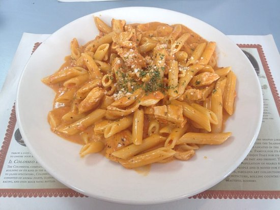 ‪‪Nanuet‬, نيويورك: Penne alla vodka with grilled chicken, nom nom!‬