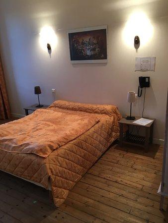 Hostellerie Bressane : gutes Bett