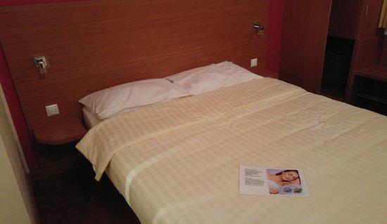 Star Inn Hotel Budapest Centrum, by Comfort: Bed