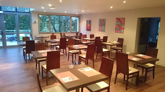 Bono, Frankrike: Salle de petit-déjeuner