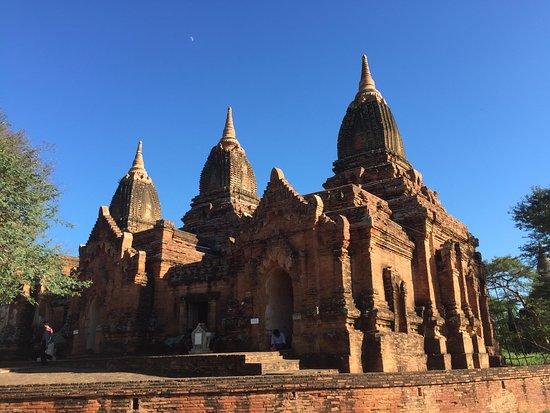 Paya Thone Zu Temple