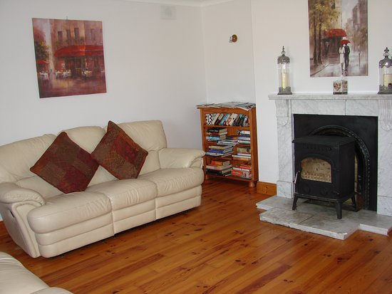 Padua Bed & Breakfast: Guest Lounge Room