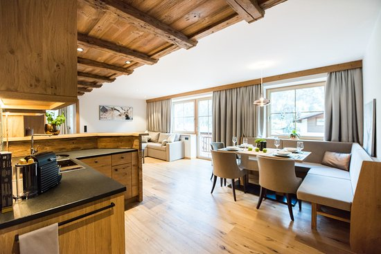 Wohnbereich Bild Von Pepis Suites Lechtal Apartments Holzgau