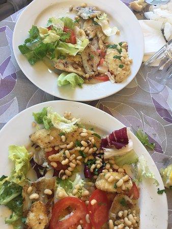 San Feliciano, İtalya: Gnocchetti al gambero, pici al persico e insalata di persico