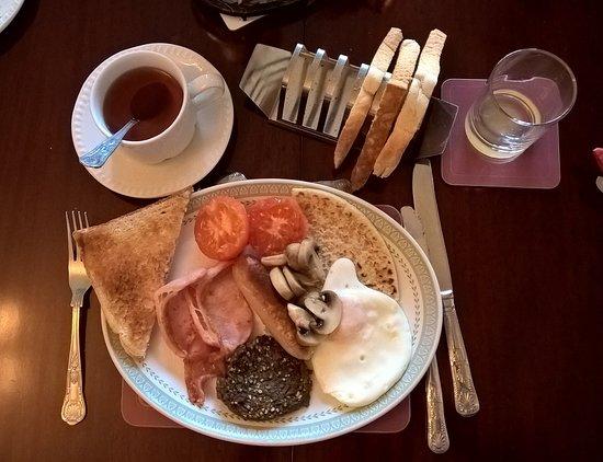 Glengarry Guest House: breakfast