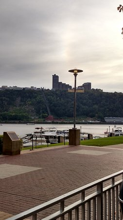 Jerome Bettis' Grille 36: View of the Duquesne Incline from patio