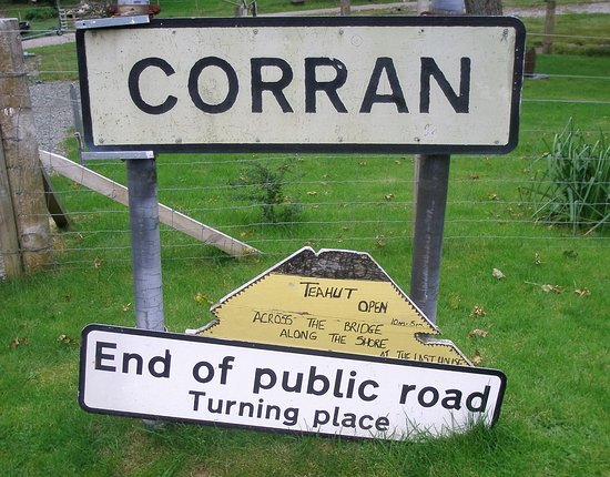 Lochalsh, UK: A wee welcome sign