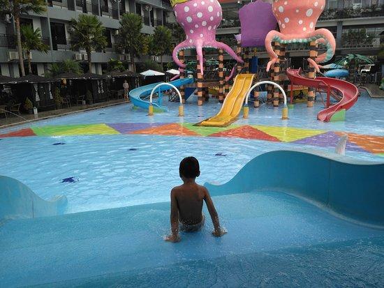 Gambar Batu Wonderland Hotel & Resort