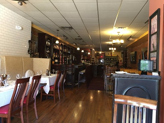 Auburn, NY: Inside the restaurant it's casually elegant