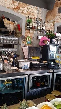 Cafe Manhattan: Interesting artifacts on the bar