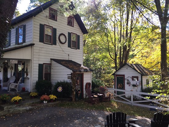 Shawnee on Delaware, PA: Buttermilk Falls Bed & Breakfast