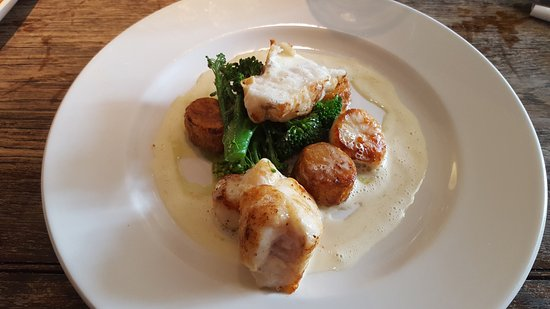 ‪‪Angmering‬, UK: Monkfish with scallops and broccoli‬