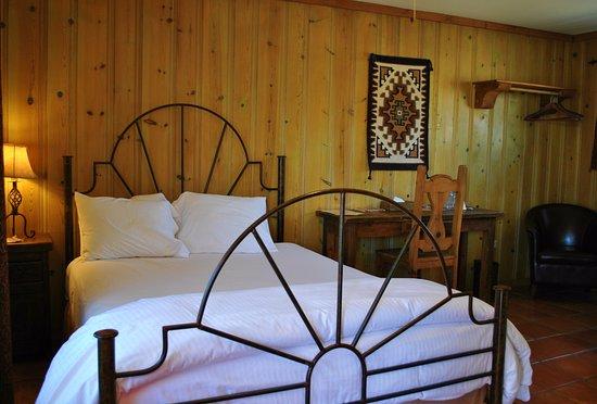 Alpine, TX: Classic Queen Room