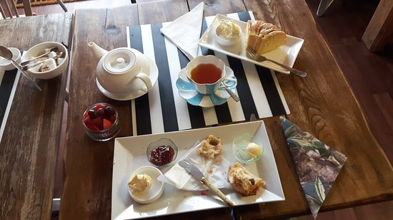 Pett, UK: Half eaten cream tea